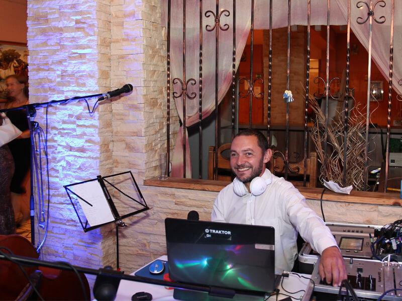 1c94c5fc1 Kapela na svadbu - cimbalová hudobná skupina Slančíkovci